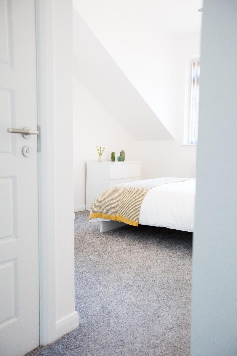 Master Bedroom 10-1