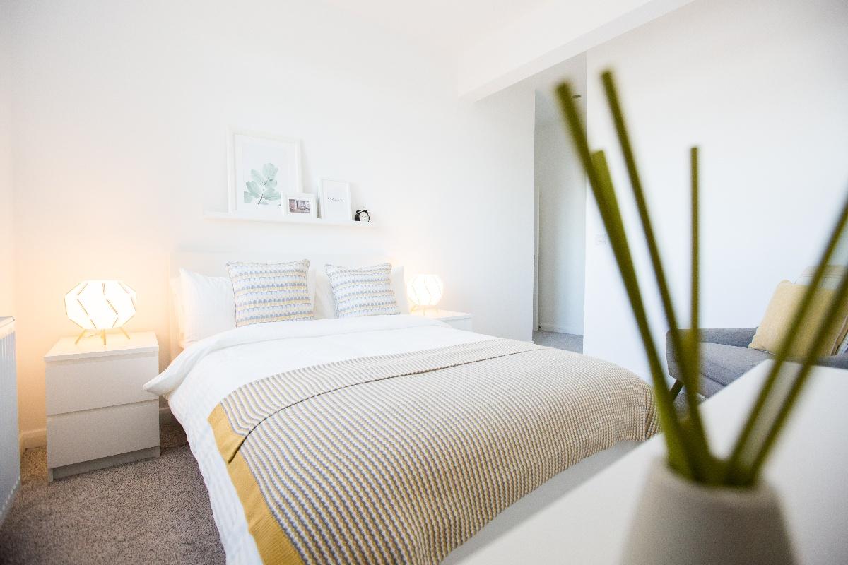 Master Bedroom 9-1